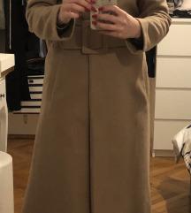 Prodano Krem dugi kaput