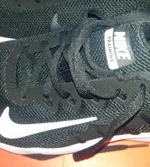 Nike nove 44.5