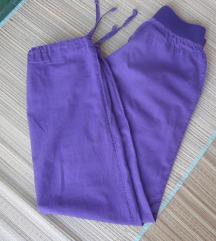Ljubičaste hlače vel.152