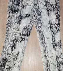 Novo Zara hlače