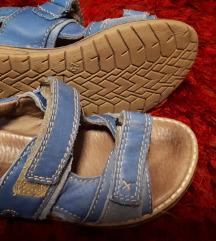 SNIŽENO 65kn Froddo sandale 25