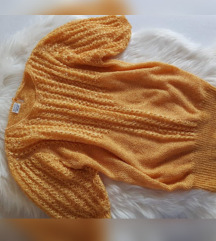 Puf džemper s biserima, kao novi