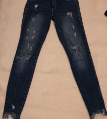 Zara jeans pokidane traperice