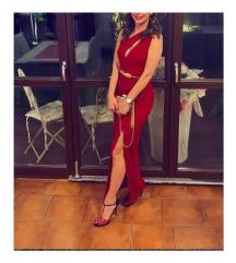 Duga crvena haljina