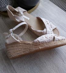 Nove sandale na visoku petu