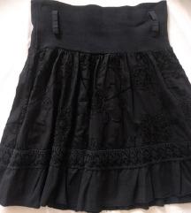 Crna skater suknja veličina M