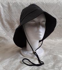 Ilse Jacobsen Hornbaek crni kišni šešir