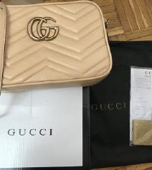 Gucci torbica s papirima!
