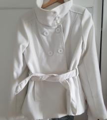 Novi kratki bijeli kaput