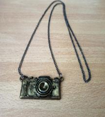 Lančić s privjeskom fotoaparata