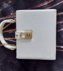 Mala bijela cvrsta torbica