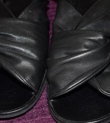 Crne sandale COS vel. 39