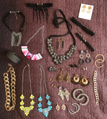 Veliki lot nakita-uključena poštarina
