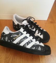 Adidas Superstar 39