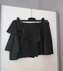ZARA crna kožna mini suknja s volanom