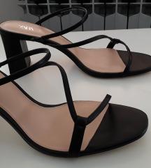 Zara sandale na petu