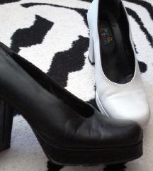 Salonka cipela na petu
