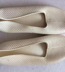 Bijele sandale za more