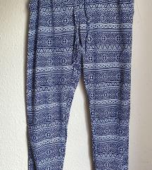 Lagane hlače u dva uzorka