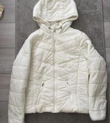 Bershka bijela jakna