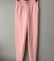SNIŽENO 50 KN! Nove roze hlače