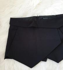 Zara - kratke svečane hlače