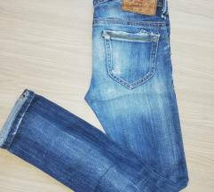 Diesel ripped knee traperice xs