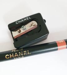 CHANEL olovka za usne + oštrilo