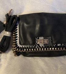 Crna torbica s uzorkom