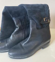 Plave čizme iznad koljena