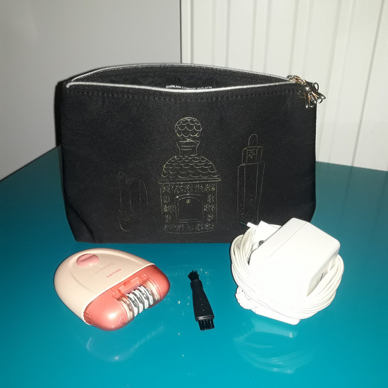 Philips epilator + poklon toaletna torbica