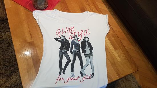 lijepa majica vel 10