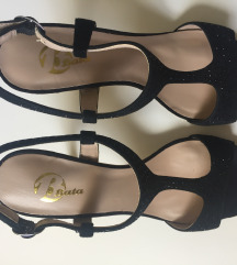 Bata sandale brušena koža