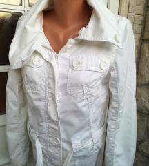 Only bijela jakna