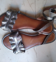 Inuovo sandale 40