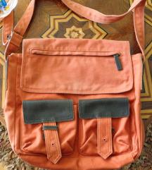 Narančasta sportska torba