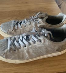 Colmar sive srebrne tenisice