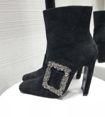 Zara kozne cizme s kristalnom kopcom