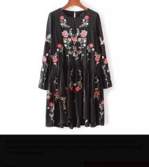 Izvezena crna haljina sa cvjetovima