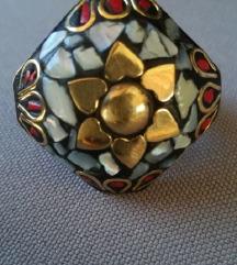 Prsten mozaik majka bisera i koralji