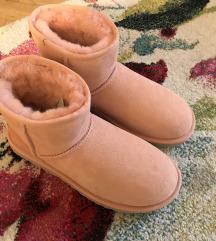 UGG nove mini boots