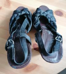 Crne sandale na visoku petu vel. 37