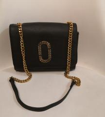 Crna torbica sa zlatnim lancen
