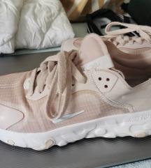 Nike renew pink