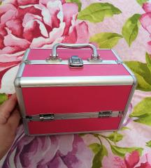 Kufer za sminku