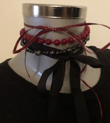 Ogrlica chocke perle saten crna crvena