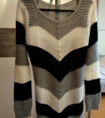 NOVI prekrasni ASOS pulover M