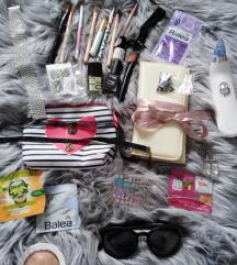 Lot make up, nakit, naušnice, naočale