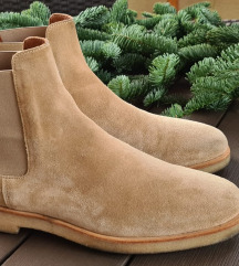 Common projects woman chelsea boots