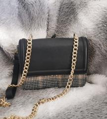 ZARA torbica classic chic sa zlatnim lancem